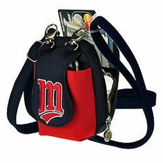 Minnesota Twins Game Day Purse Visit our website for more: www.thesportszoneri.com