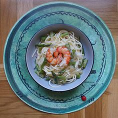 SPAGHETTI WITH WILD ASPARAGUS AND RED SHRIMPS