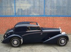 The Great Charm of Vintage Cars - Popular Vintage Fiat 500, Classic Motors, Classic Cars, Bentley Automobiles, Bentley Car, Gt Cars, Vintage Race Car, Bentley Rolls Royce, Amazing Cars