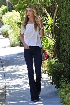 Best Dressed - Rosie Huntington-Whiteley in wide-legged flared jeans