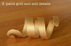 Cleopatra: Learn to make Egyptian style bracelets using recycled toilet paper rolls! Egyptian Crafts, Egyptian Party, Egyptian Costume Kids, Egyptian Jewelry, Egyptian Eye, Toga Party, World Thinking Day, Toilet Paper Roll, Ancient Egypt