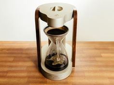 High-end drip coffeemakers for brewing right at home - CNET Coffee Machine Brands, Coffee Machine Price, Coffee Machine Parts, Barista Coffee Machine, Coffee Machine Best, Filter Coffee Machine, Best Coffee Maker, Commercial Coffee Machines, Coffee Vending Machines