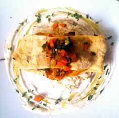 Pastry Turkey with carrots and spinach on coconut rice Coconut Rice, Hummus, Spinach, Carrots, Turkey, Magazine, Ethnic Recipes, Food, Kitchen