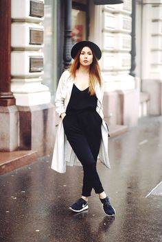 Black and White with Trench coat and Hat http://www.thenextepisode-katarina.com/2014/11/bulevarden.html#.VG4Q-vmsWSo