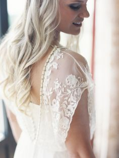 When you get right down to it, this is the kind of wildly beautiful yet deeply personalweddingwe preach here on SMP. From the gorgeous blush and gold stylings byKelly Lenard to the Bride's lat...