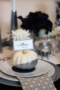 Sparkly pumpkin place settings