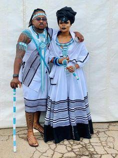Zulu Traditional Attire, South African Traditional Dresses, Traditional Dresses Designs, Traditional Wedding Attire, Traditional Clothes, Shweshwe Dresses, African Maxi Dresses, Xhosa Attire, African Attire