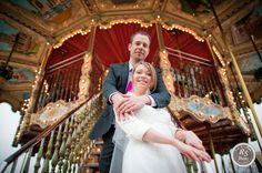Photo de couple mariage devant manège du Trocadéro à Paris #RSPhoto