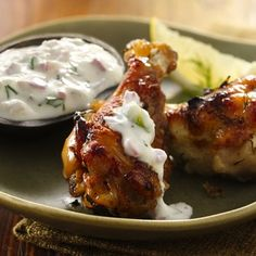 Greek Chicken Wings with Tzatziki Sauce - Best Food Recipes Sauce Recipes, Baking Recipes, Easy Recipes, Appetizer Recipes, Dinner Recipes, Appetizer Ideas, Dinner Ideas, Chicken Appetizers, Turkey Recipes