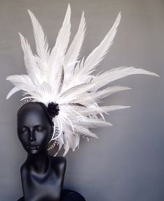Tribal Wedding ~ White Feather Headpiece Headdress by MissGDesignsShop on Etsy Feather Headpiece, Feather Hat, Fascinator Hats, Fascinators, Tribal Wedding, Mode Costume, Head Accessories, White Feathers, Derby Hats