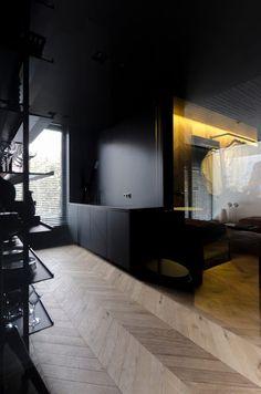 Small Masculine Apartment in Dark Color Schemes - InteriorZine Gray Interior, French Interior, Cafe Interior, Interior Design Living Room, Dark Interiors, Hotel Interiors, Masculine Apartment, Appartement Design, Turbulence Deco
