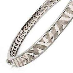 Thin bangles <3