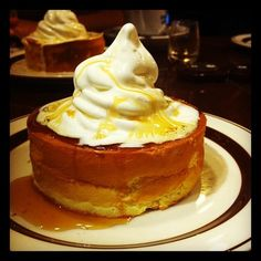레몬 드리즐 아이스크림 수플레 팬케이크