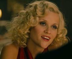 Reese Witherspoon's finger waves in Water for Elephants