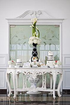 vintage black and white dessert table #classicwedding #blackandwhitewedding http://www.weddingchicks.com/2013/12/03/timeless-editorial-shoot/