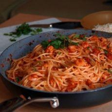 Pasta with shrimps Shrimp Pasta, Spaghetti, Good Food, Food And Drink, Favorite Recipes, Ethnic Recipes, Shrimp Paste, Prawn Pasta, Healthy Food