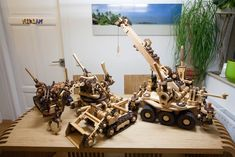 Bulldozer, Bagger, Kran und Greifer Crane Car, Make Your Own, Timber Wood, Crafting, Ideas