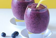 Antioxidant-rich blueberry smoothie with walnuts for a brain boost.