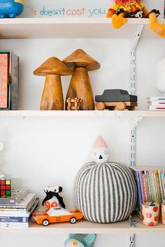 Kids shelf