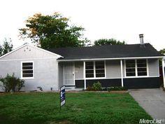 #gray and #white #house in #Sacramento #California