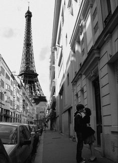 Love...in the city of lights.  Wonderful!