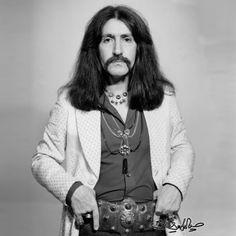 Barış Manço (2 Ocak 1943 - 1 Şubat 1999), unutmadık, unutamadık... Foto Poster, Famous Pictures, Blue Raincoat, Dream High, World Music, Pop Rocks, Turkish Actors, Music Bands, Great Artists