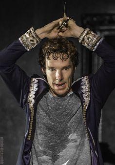 Drink your tea. - nixxie-fic:   Benedict Cumberbatch as Hamlet Edit...