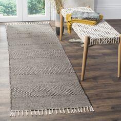 Safavieh Montauk Transitional Geometric Hand-Woven Cotton Ivory/ Anthracite Runner Rug (2'3 x 6') (MTK330N-26), Size 2' x 6'