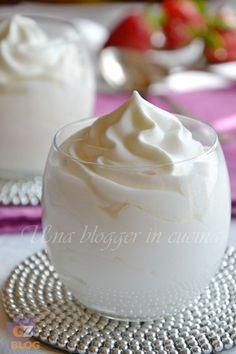 Mousse allo yogurt per dolci al cucchiaio o per farcire