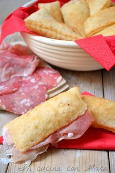 gnocco fritto Savoury Baking, Vegan Baking, Focaccia Pizza, Party Finger Foods, Tapas, Antipasto, Sweet And Salty, Appetizers For Party, Biscotti