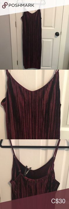 Velvet burgundy midi dress Perfect for fall and winter midi dress in a beautiful burgundy color. Adjustable spaghetti straps and double split at leg. Fashion Photo, Fashion Models, Fashion Looks, Plus Fashion, Fashion Tips, Fashion Trends, Burgundy Midi Dress, Burgundy Color, Fashion Stylist