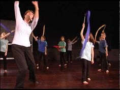 Clips from a class for 7-8 year olds at the Dalcroze Institute in Geneva.