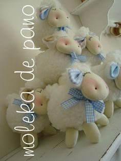Sheep Crafts, Felt Crafts, Diy And Crafts, Diy Teddy Bear, Baby Shower Souvenirs, Sewing Projects, Projects To Try, Baby Dedication, Baby Lamb