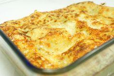 Le lasagne al forno vegetariane sono una fresca variante della classica lasagna al pomodoro, prevede un condimento di besciamella, crema di carciofi e...