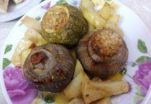 Ένα εξαιρετικό πιάτο με κρεμμύδια γεμιστά