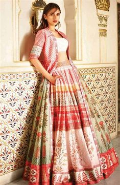 43 Ideas For Wedding Guest Outfit Indian Salwar Kameez Indian Wedding Guest Dress, Dress Indian Style, Indian Wedding Outfits, Indian Outfits, Dress Wedding, Indian Bridal, Lehenga Designs, Indian Attire, Indian Ethnic Wear