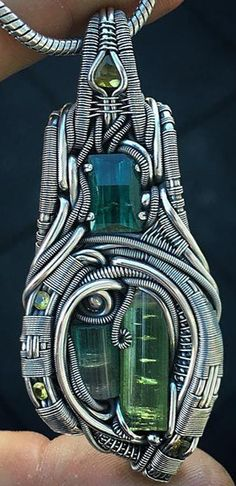 ©Tucker Tipton #wirewrap #jewelry #wirewrapjewelry