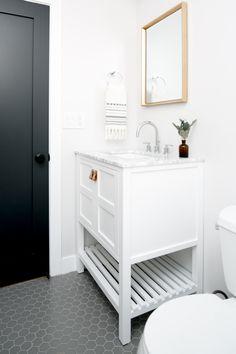 A Spanish Style Los Angeles Home with Vintage Charm & Modern Vision Spanish Bathroom, Spanish Style Bathrooms, Spanish Style Homes, Modern Bathroom, Design Bathroom, Spanish House, Small Bathrooms, Beautiful Bathrooms, Bathroom Flooring