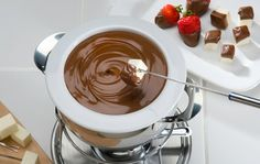 How to Make Chocolate Fondue - Que Rica Vida
