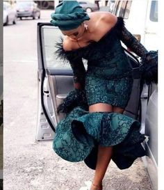 Image in African Fashion💋 collection by Ruth on We Heart It Aso Ebi Lace Styles, Lace Gown Styles, African Lace Styles, Short African Dresses, Ankara Styles, Nigerian Lace Styles, African Bridesmaid Dresses, African Fashion Ankara, African Inspired Fashion