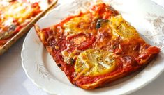 Easy Heirloom Tomato Pizza | This recipe would be perfect for a day when you're just hanging out at home. I topped ours with some thinly sliced yellow brandywine heirloom tomatoes, fresh mushrooms, THIS sauce, and a blend of shredded mozzarella and sharp cheddar cheeses. Feel free to use whatever toppings you like best. The recipe yields a wonderfully chewy, soft crust pie. | From: chindeep.com
