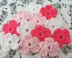 Crochet Pink and White Flowers Mini Flowers Crochet by FineThreads
