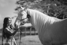 Foto Cowgirl, Photoshoot Vintage, Insta Photo Ideas, Horse Riding, Equestrian, Horses, Country, Exterior, Photography