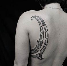 Maori tattoos – Tattoos And Maori Designs, Maori Tattoo Designs, Back Tattoo Women, Tattoos For Women, Tattoo Studio, Body Art Tattoos, Tribal Tattoos, Maori Tattoo Arm, Cthulhu Tattoo