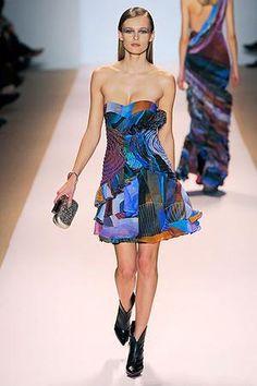 Emma Stone wearing Matthew Williamson Fall 2009 Dress.