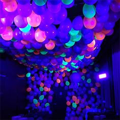 These Are the Best Halloween Party Ideas for Adults l Halloween doesn't have to be cheesy. Just deck your halls with these Halloween party ideas for adults. Glow In Dark Party, Glow Party, Disco Party, Diy Neon Party, Neon Birthday, 18th Birthday Party, Neon Party Decorations, Quinceanera Decorations, Quinceanera Party