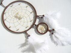 Brauner Traumfänger mit einem klaren Bergkristall von Traumnetz-com :  Traumfänger, Schmuck, Bilder auf DaWanda.com