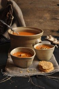 Spicy Tomato Soup with Parmesan Crisps Style On Picture Lifestyle Spicy Recipes, Soup Recipes, Easy Cooking, Cooking Recipes, Parmesan Crisps, Soup Kitchen, Winter Soups, Fruit And Veg, Food Photography