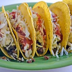I like crunchy corn shells and the flavor of Chipotle.  These Spicy Chipotle Crunchy Tacos look really simple