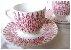 Scandinavia Design, Stig Lindberg, Vintage Pottery, Porcelain Ceramics, Fine Dining, Matcha, Coffee Cups, Tea Pots, Projects To Try